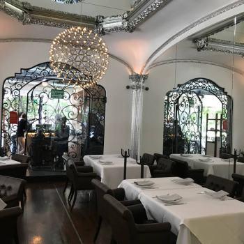 Restaurante Polanco parque reloj