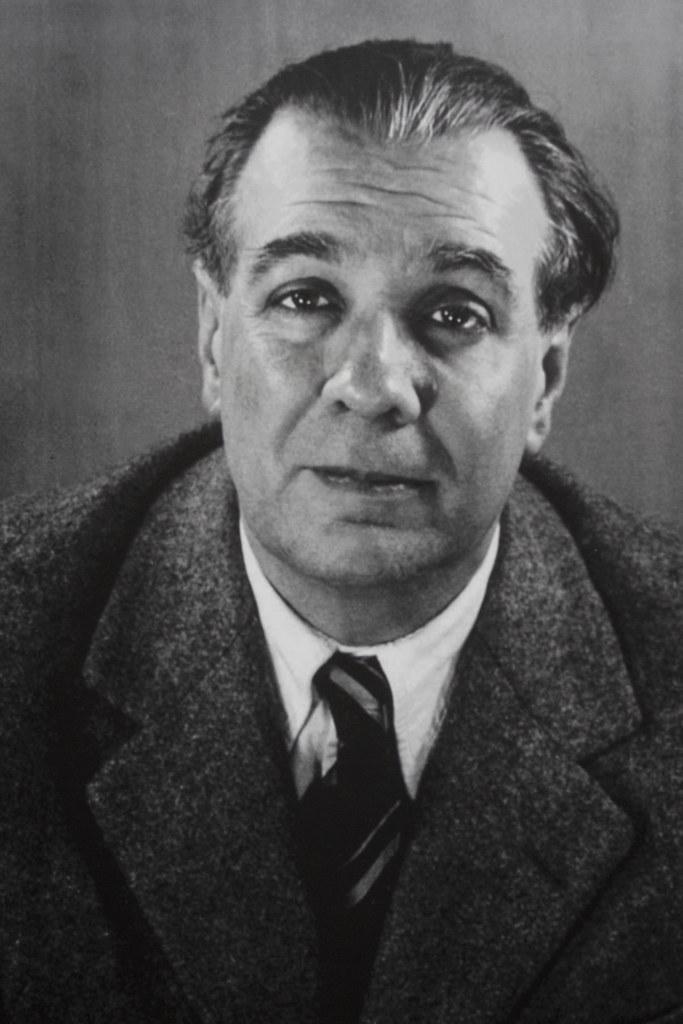 Jorge Luis Borges mirando al frente, fotografiado por Soledad Amarilla